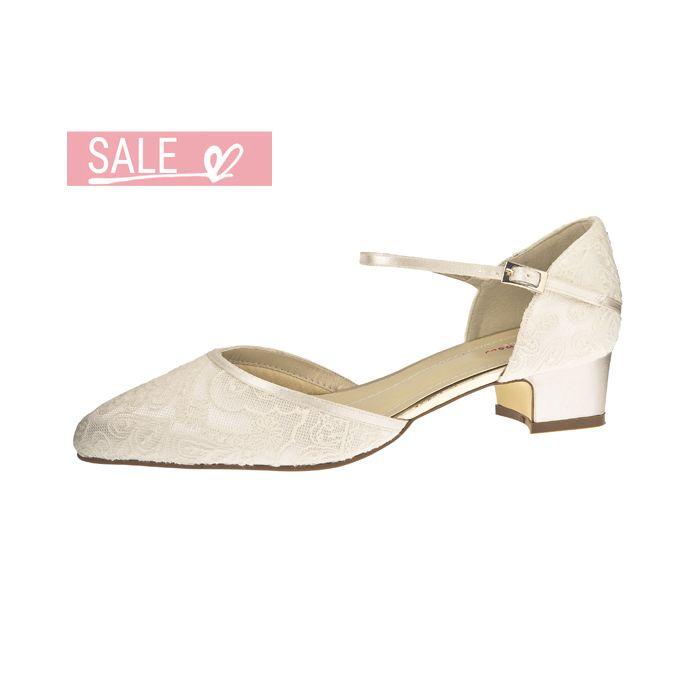 Bridal shoe Angela Ivory Satin/ Vintage Lace